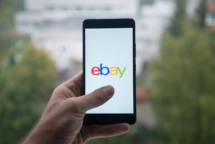 Ebay-Logo auf Smartphone-Display
