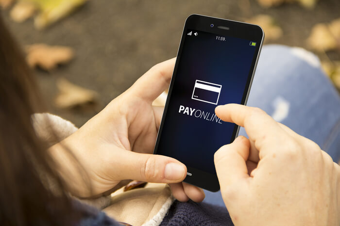 Smartphone mit Payment-Icon