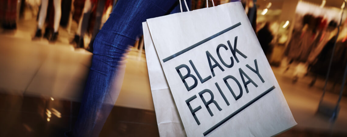 Shopping-Tüte am Black Friday