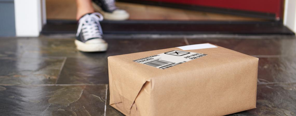 dhl erh ht paketpreis und postdienste verbuchen viel mehr. Black Bedroom Furniture Sets. Home Design Ideas