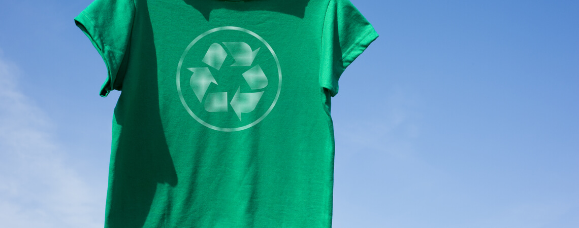T-Shirt mit Recycle-Logo