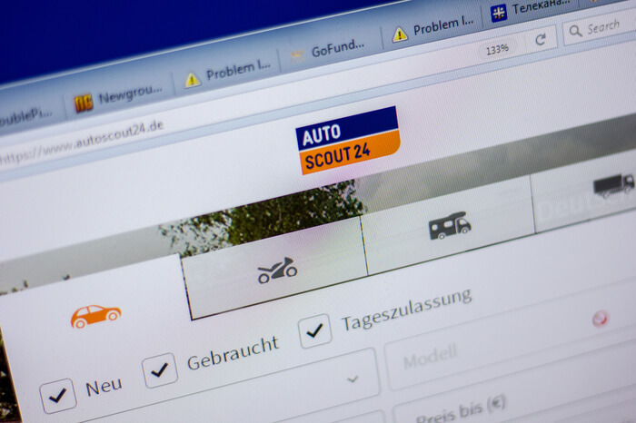 AutoScout24 auf Laptop