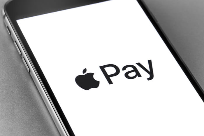 Apple-Pay-Logo auf iPhone