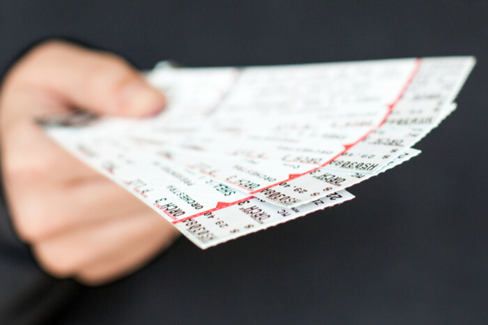 Servicegebühr für selbstausgedruckte Tickets unrechtmäßig