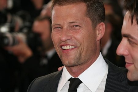 til schweiger mit neuem online shop. Black Bedroom Furniture Sets. Home Design Ideas